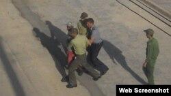 Foto de un arresto en Cuba.