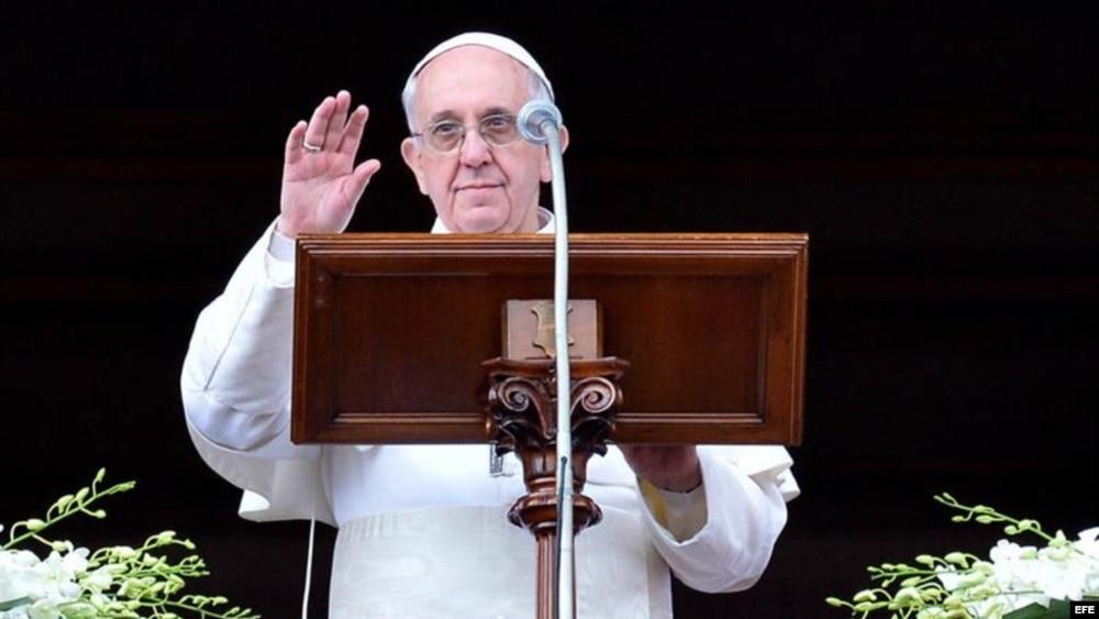El papa Francisco durante su mensaje pascual. Archivo.