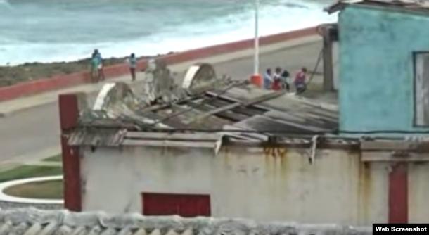 Decenas de casas siguen sin techo luego de 3 meses del paso de Matthew