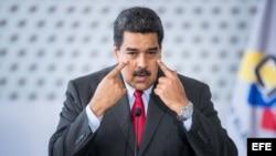 Maduro suspendió relaciones económicas con un grupo de funcionarios panameños, incluyendo al presidente, Juan Carlos Varela