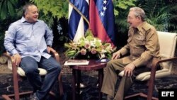 Foto Archivo. Raúl Castro y Diosdado Cabello.