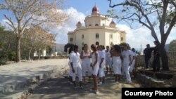 Liberan a Damas de Blanco al terminar Misa a la Virgen de la Caridad en El Cobre