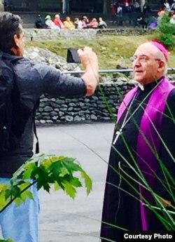 Monseñor Casimiro López, arzobispo español de la diócesis Segorbe-Castellón en Lourdes