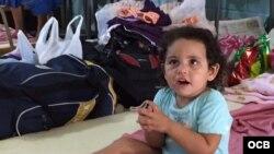 Las autoridades han dado prioridad para este viaje a las familias con niños que llevan más tiempo varados en Costa Rica.