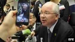 Rafael Ramírez, ministro venezolano de Exteriores, antes del comienzo de la reunión ministerial de la OPEP en Viena.