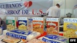 Un chef cocina arroz estadounidense en la 24 edición de la Feria Internacional de La Habana (FIHAV 2006). Archivo.
