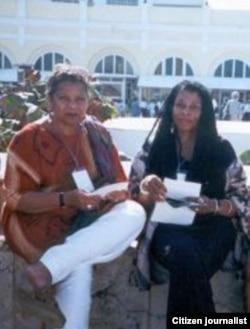 Las fugitivas de la justicia de EE.UU. JoAnne Chesimard y Cheri Dalton en la Casa Central del Ministerio del Interior, en La Habana (Luis Domínguez).