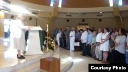 Misa en Miami por la salud de Fariñas