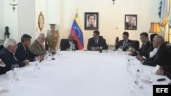 Gobierno y oposición de Venezuela acuerdan empezar proceso de diálogo