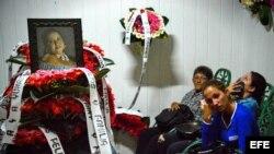 Familiares se despiden de Yunaisi Pelegrino, víctima del accidente aéreo en Cuba