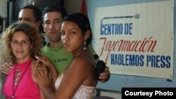 Parte del equipo de periodistas del Centro de Información Hablemos Press