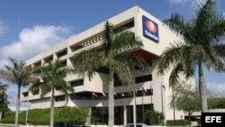 Vista del edificio de Televisa en Miami, Florida (EE.UU.).