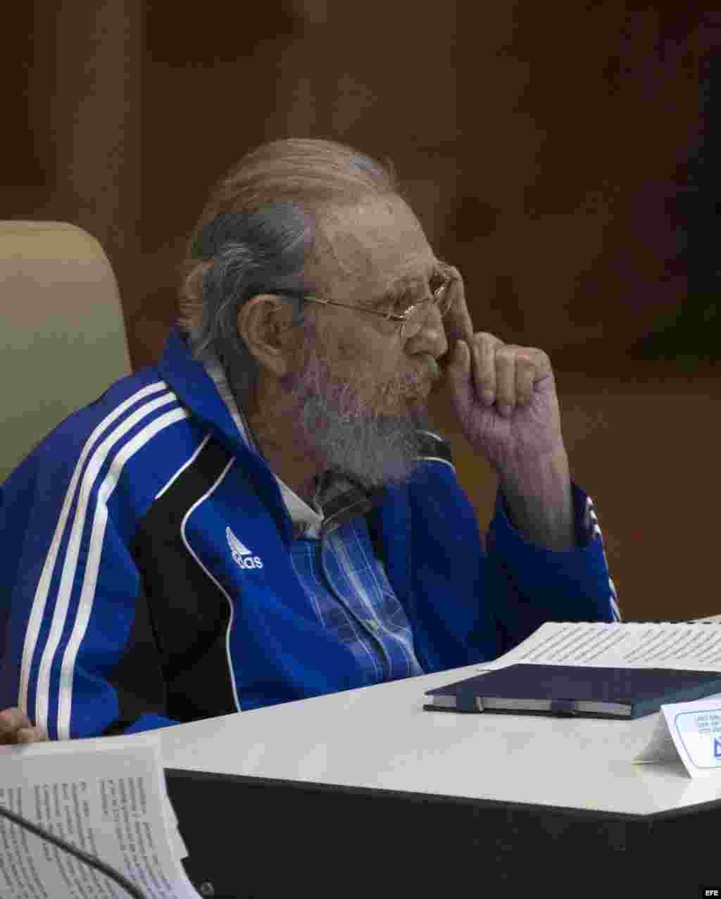 """Fidel Castro: """"A todos nos llegará nuestro turno, pero quedarán las ideas""""."""