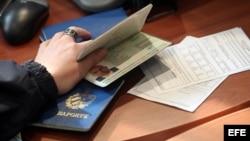 Yoandry Depress ya pagó más de $500 dólares por un pasaporte cubano pero no sabe cuándo se lo darán.