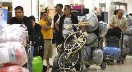 Televisores, computadoras, celulares y bicicletas figuran entre los artículos que los cubanoamericanos llevan a sus familiares en Cuba (Havana Consulting Group).