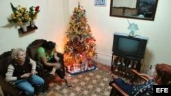 Tres familias cubanos comparten sus planes para Navidad