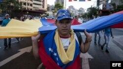 Opositores marchan por calles de Caracas (Archivo).