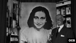 El padre de Ana Frank le escribe a una joven cubana