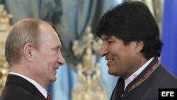 Vladimir Putin y Evo Morales (i-d). Archivo.