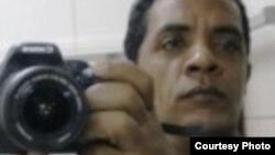 Arrestan en su casa al bloguero cubano Luis Felipe Rojas Rosabal