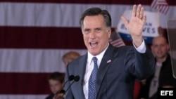 Mitt Romney obtuvo importantes victorias en Michigan y Arizona