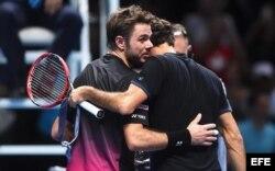 Wawrinka felicita a Federer.