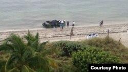 Balseros cubanos llegan a las costas Key Biscayne. Foto de Archivo