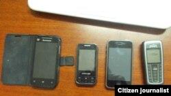 Reporta Cuba. Teléfonos celulares. Foto: Luis Diéguez.