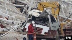 Vista de unos escombros del estadio mundialista de Sao Paulo, conocido como 'Itaquerao'.