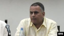 Omar Everleny Pérez participa en la X Semana Social Católica celebrada en La Habana en 2010.