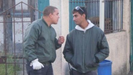 Oficiales de la Seguridad del Estado, Ayorbis Gil Álvarez (i) y Léster González Hernández (d). Archivo.