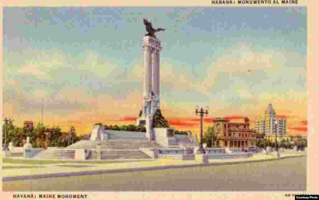 Una postal muestra el Monumento al Maine