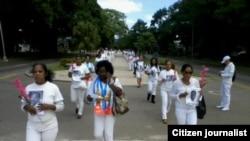 Reporta Cuba Damas de Blanco. Foto: Ángel Moya.
