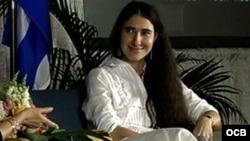 Yoani Sánchez en la Torre de la Libertad de Miami