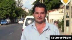 Sociedad civil cubana aboga para que Angel Santiesteban no vaya a prisión