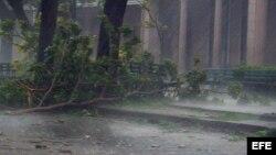 Preocupados en Holguín ante la carencia de alimentos y el paso de la tormenta Isaac