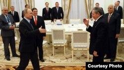 Putin y Raúl Castro en el Kremlin.