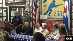 Conferencia de prensa en la Brigada.