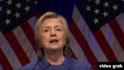 Hillary Clinton en Children Defense Fund (Fundación en Defensa de los Derechos de los Niños).