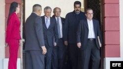 Maduro acepta la propuesta de la Unasur de reunirse este martes con la oposición.