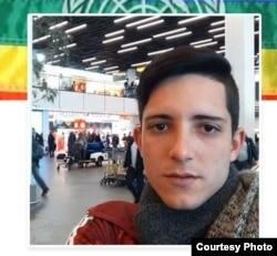 Víctor M. Dueñas Otero, activista LGTBI, detenido en Holanda a la espera de asilo político.