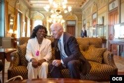 Berta Soler fue recibida por el vicepresidente Joe Biden en 2014.