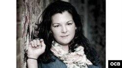1800 Online con la orfebre cubana Rosana Vargas Rodriguez, propietaria de su propia marca ROX 950