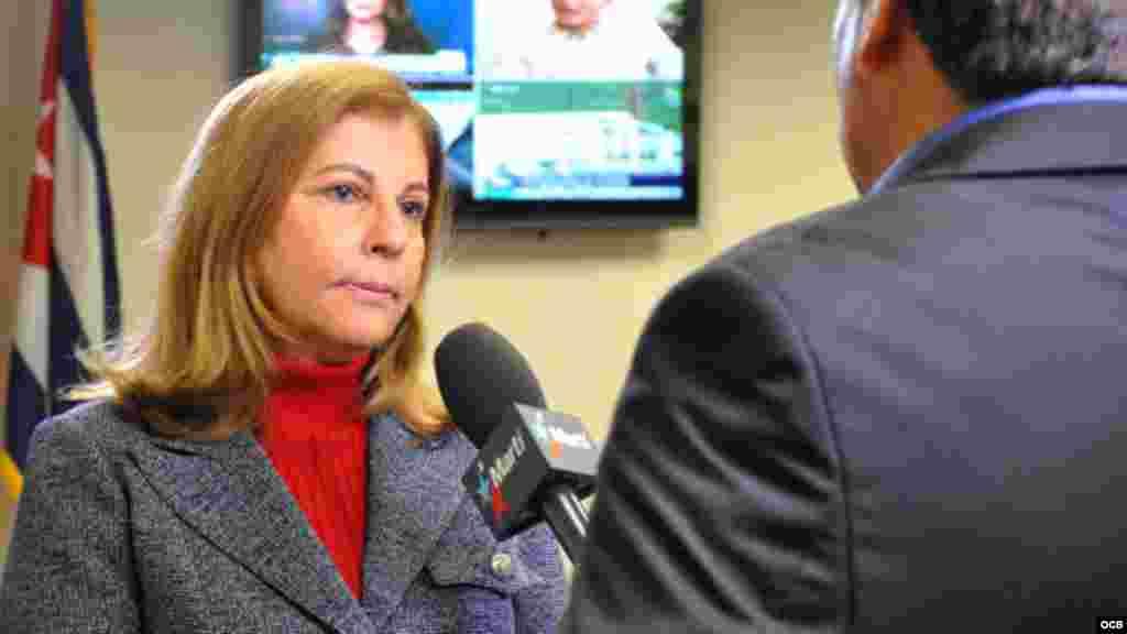 Elsa Morejón visita los Martí.