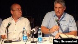 Miguel Barnet (I) junto a Miguel Díaz-Canel durante organización del VIII Congreso de la UNEAC.