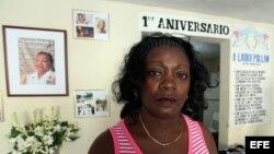 Hostigan a Damas de Blanco en té literario en memoria de Laura Pollán