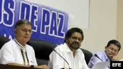 Las FARC se comprometen a contribuir a la solución del problema de las drogas