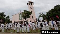 Las Damas de Blanco frente a la Iglesia de Santa Rita, en Miramar, La Habana, en una imagen de archivo.