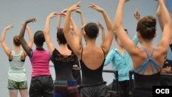 Llega a Sarasota el método de enseñanza del ballet cubano