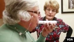 Las pruebas permitirían detectar el cáncer de pulmón en un estadío temprano. (Foto: VOA)